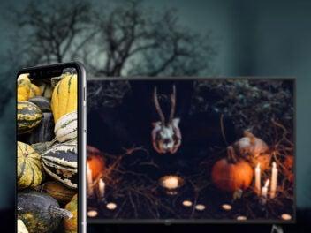 LG Smartphone mit LG Smart TV an Halloween