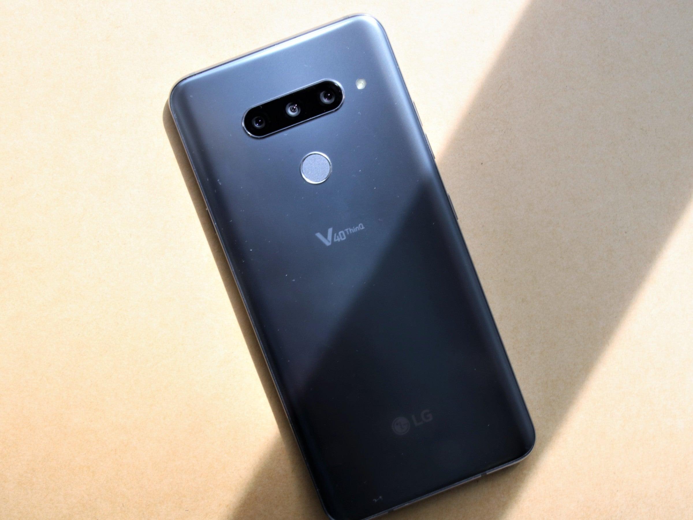LG V40 ThinQ Rückseite und Triple-Kamera