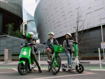 E-Bike, E-Moped und E-Scooter von Lime nebeneinander