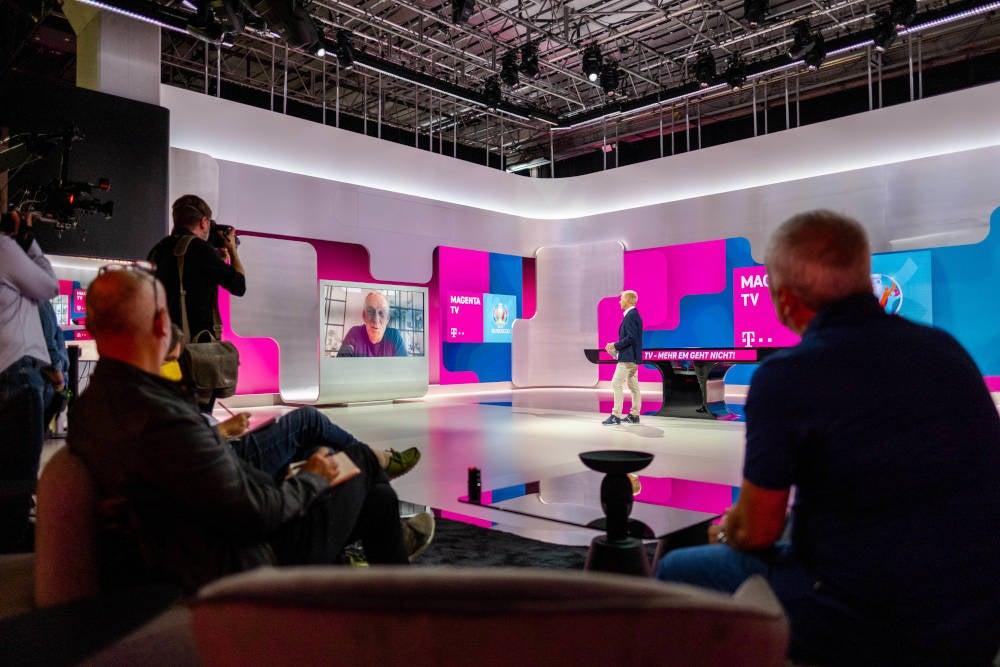 Blick in das Studio von MagentaTV zur UEFA Euro 2020.