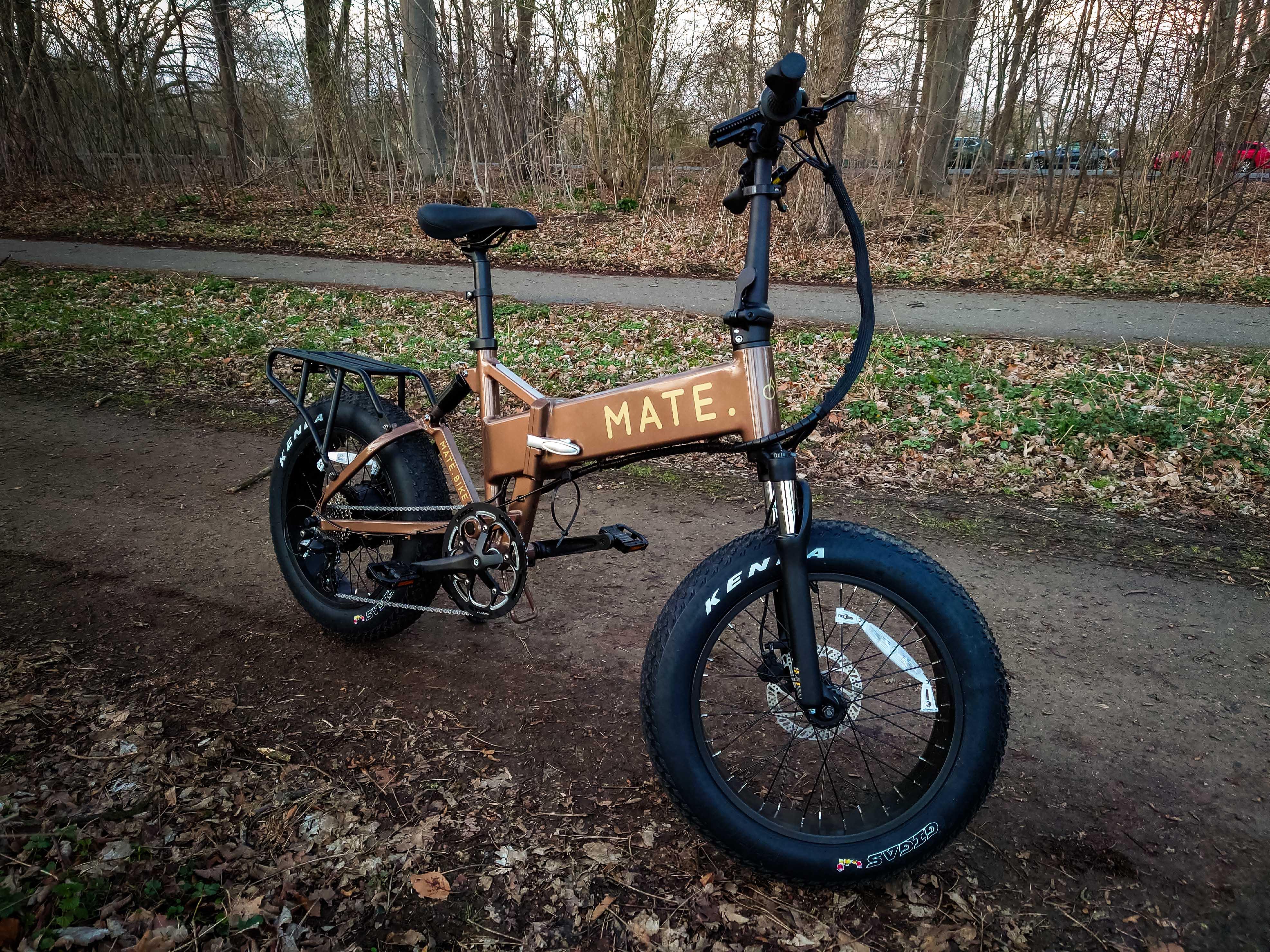 E-Bike zum falten: das Mate.Bike lässt sich zwar zusammenklappen, aber nur schwer heben und tragen.