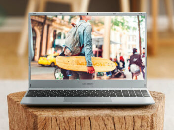 MEDION AKOYA Notebook E15408 (MD 63690) Frontansicht