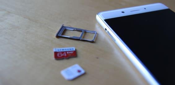 Samsung-Speicherkarte, Vodafone SIM-Karte und Nubia Z11