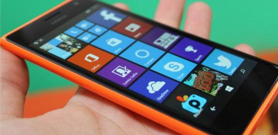 Microsoft Lumia 735 Selfie-Smartphone