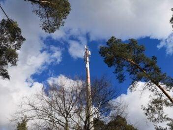 Mobilfunksendemast an der A11