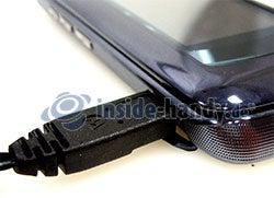 MOTORAZR2 V8: mit USB Kabel