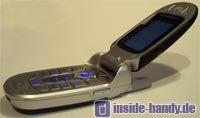 Motorola E550 - Seitenansicht geöffnet