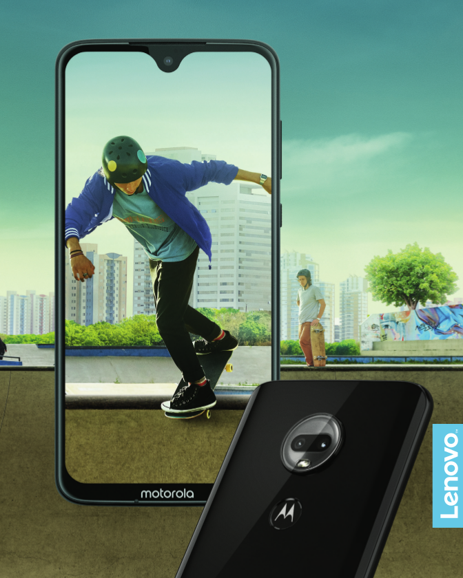 Motorola Moto G7 mit Skater auf dem Display