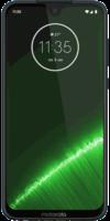 Das Motorola Moto G7 Plus in der Frontalansicht auf weißem Grund.