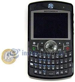 Motorola Moto Q 9h: Größenverhältnis