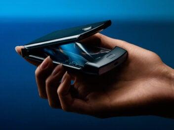 Motorola Razr in der Hand