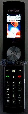 Motorola SGH-F210: Display