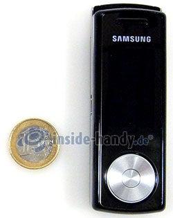 Motorola SGH-F210: Größenverhältnis