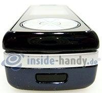 Motorola SGH-F210: Seitenansicht unten