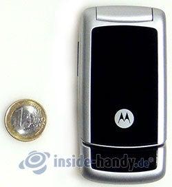 Motorola W220: Größenverhältnis
