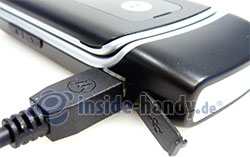 Motorola W375: Anschluss