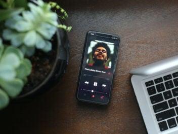 Auf dem Smartphone Musik hören