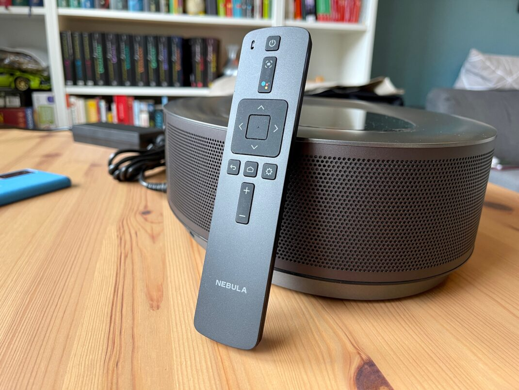 Die mitgelieferte Bluetooth-Fernbedienung