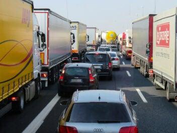 Neue Regel: Wer auf der Autobahn diesen Fehler macht, muss seinen Führerschein abgeben