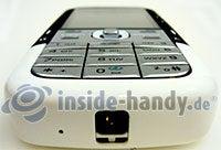 Nokia 5700 XpressMusic: Draufsicht unten