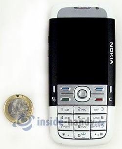 Nokia 5700 XpressMusic: Größenverhältnis
