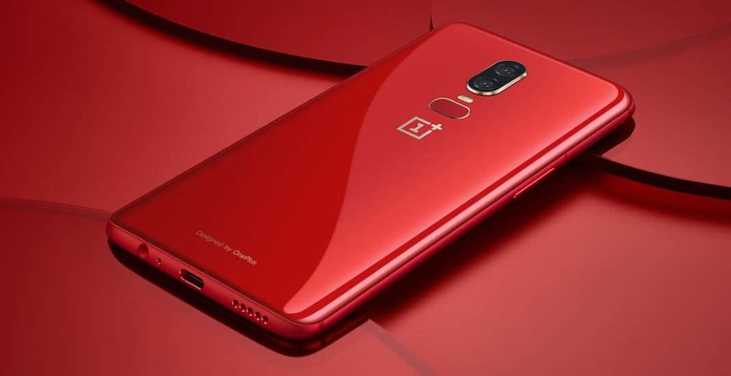 Das OnePlus 6 in Rot