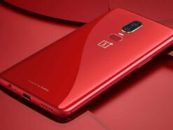 Das OnePlus 6 in Rot