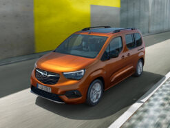 Frontansicht des Opel Combo-e Life