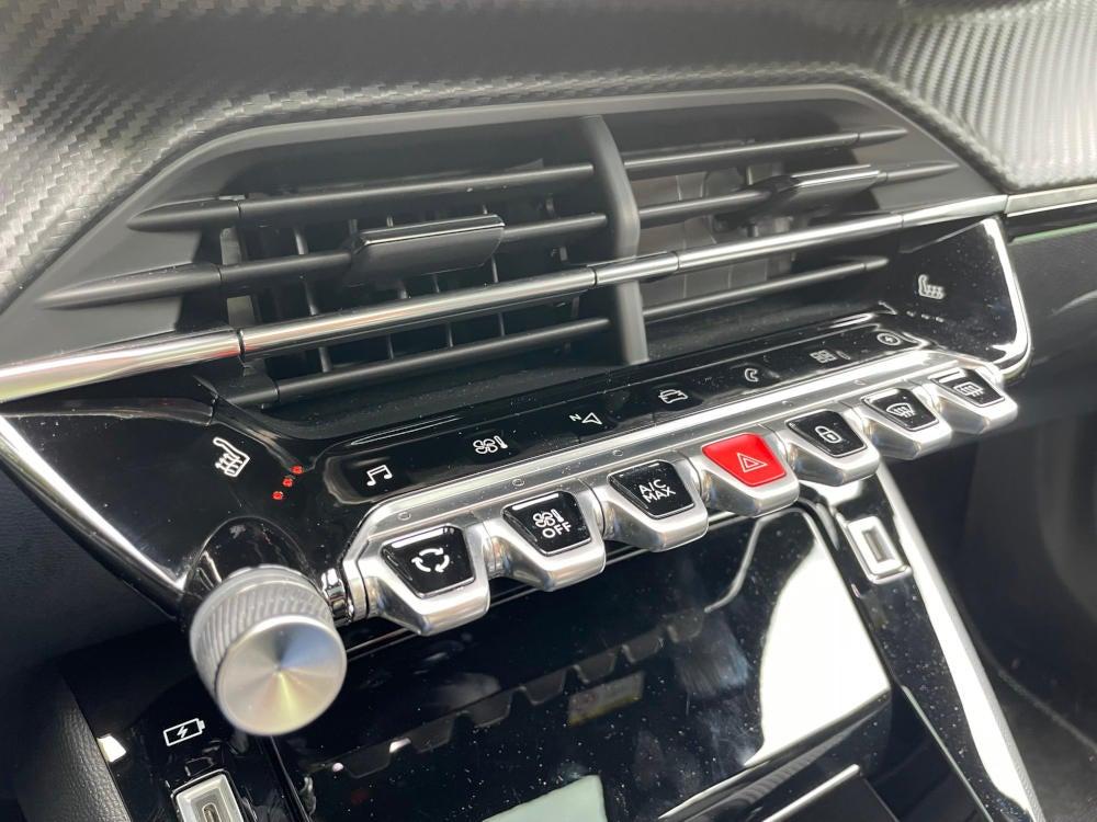 Peugeot e-2008 Bedienttasten im Interieur.