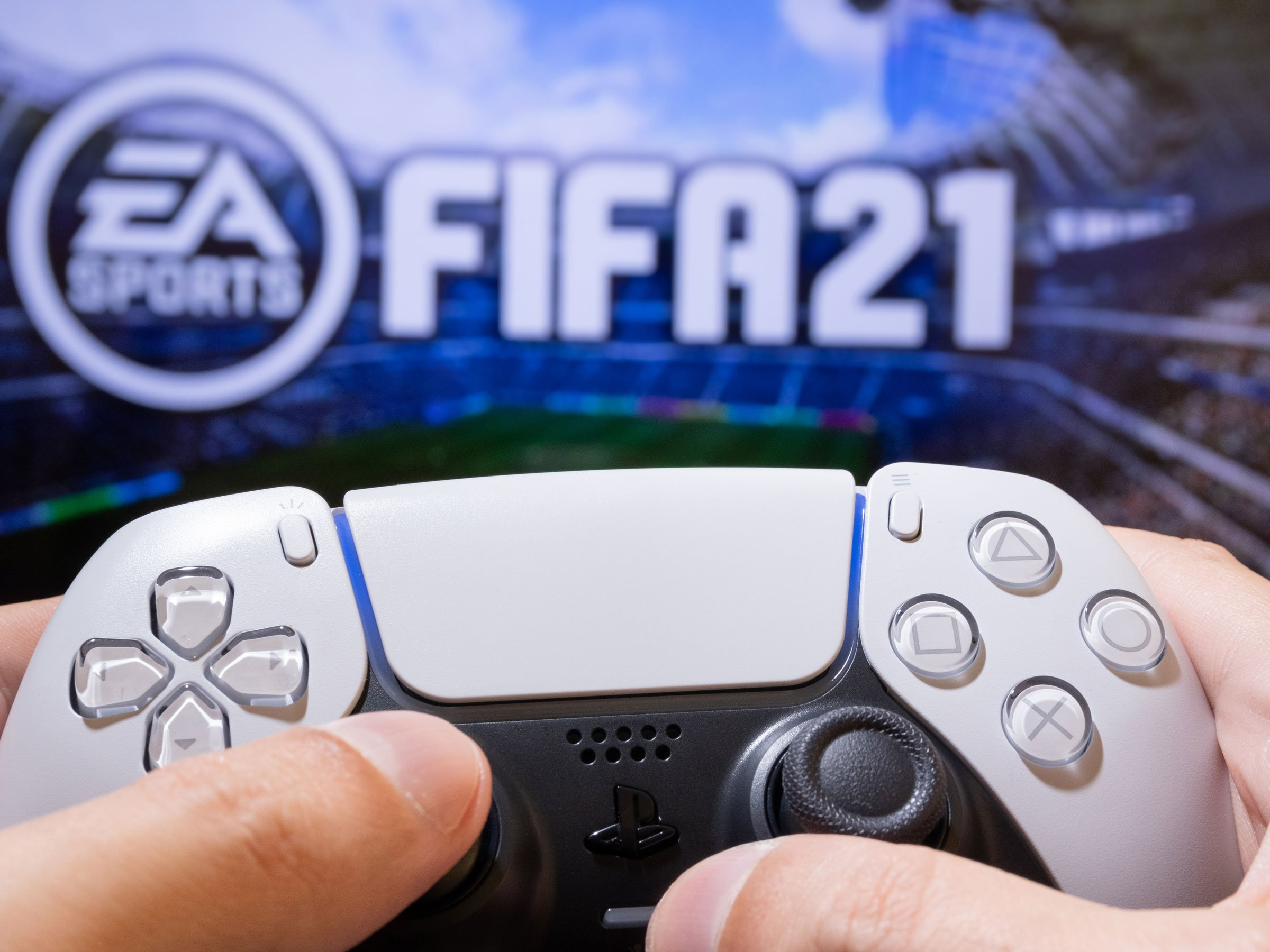 PlayStation 5 Controller mit FIFA 21