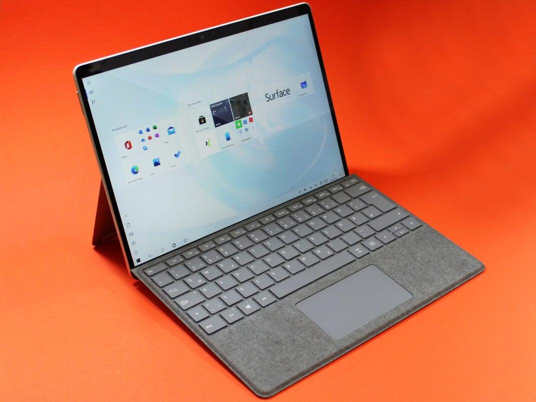 Microsoft Surface X Pro mit Tastatur