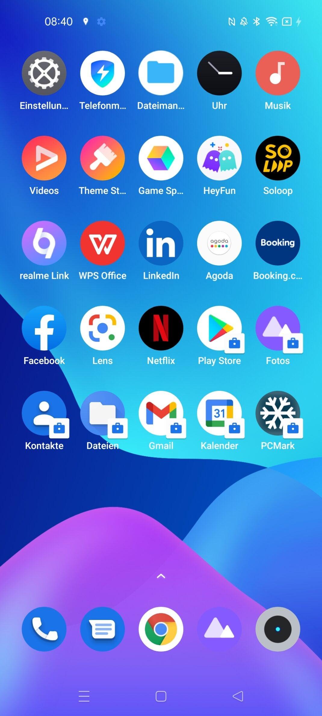 Ein Screenshot von einem Homescreen mit blauem Hintergrund und Apps.