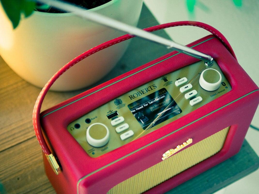 Der Revival iStream 3 ist ein Radio mit Antenne und Streaming-Maschine in einem.