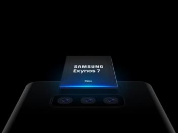 Samsung Exynos Series 7 (7904): Prozessor schwebt über einem Smartphone mit drei Kameras