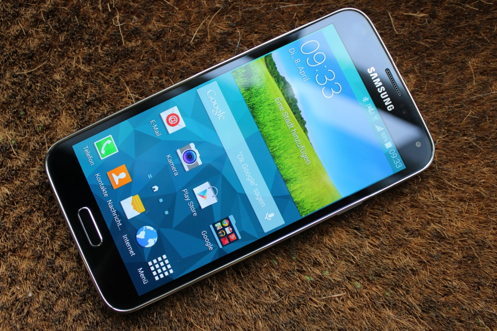 Galaxy S5 Samsungs Bestes Plastik Pferd Im Stall