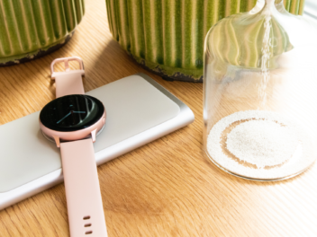 Samsung Galaxy Watch Active 2 auf Ladepad