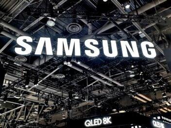 Samsung-Logo an einem Messestand.