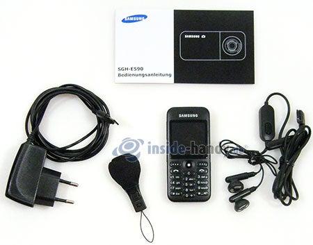Samsung SGH-E590: Lieferumfang