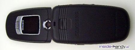 Samsung SGH-E730 - aufegklappt von hinten