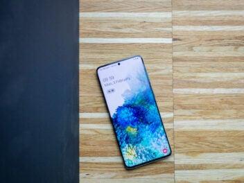 Samsung Galaxy S20+ von vorn