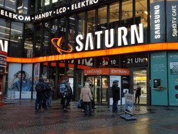 Eingang eines Saturn-Marktes