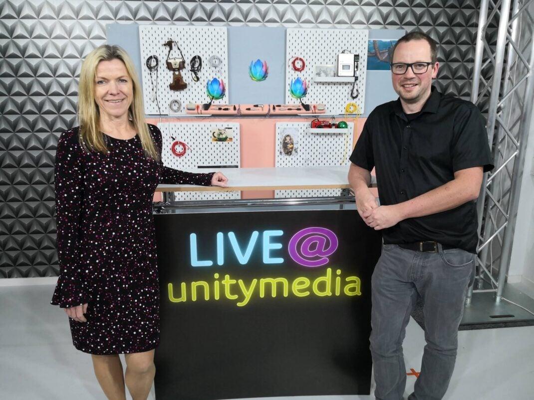 Gudrun Scharler und Thorsten Neuhetzki im Studio von live@unitymedia