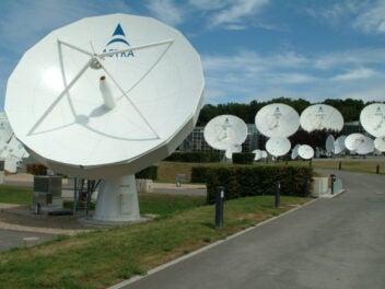 Satellitenschüsseln von SES