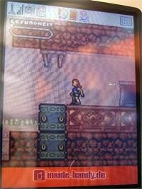 Sharp GX30 Display Spiel Tomb Raider