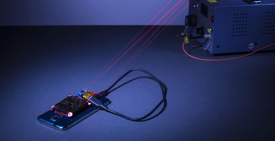 Smartphone per Laser laden