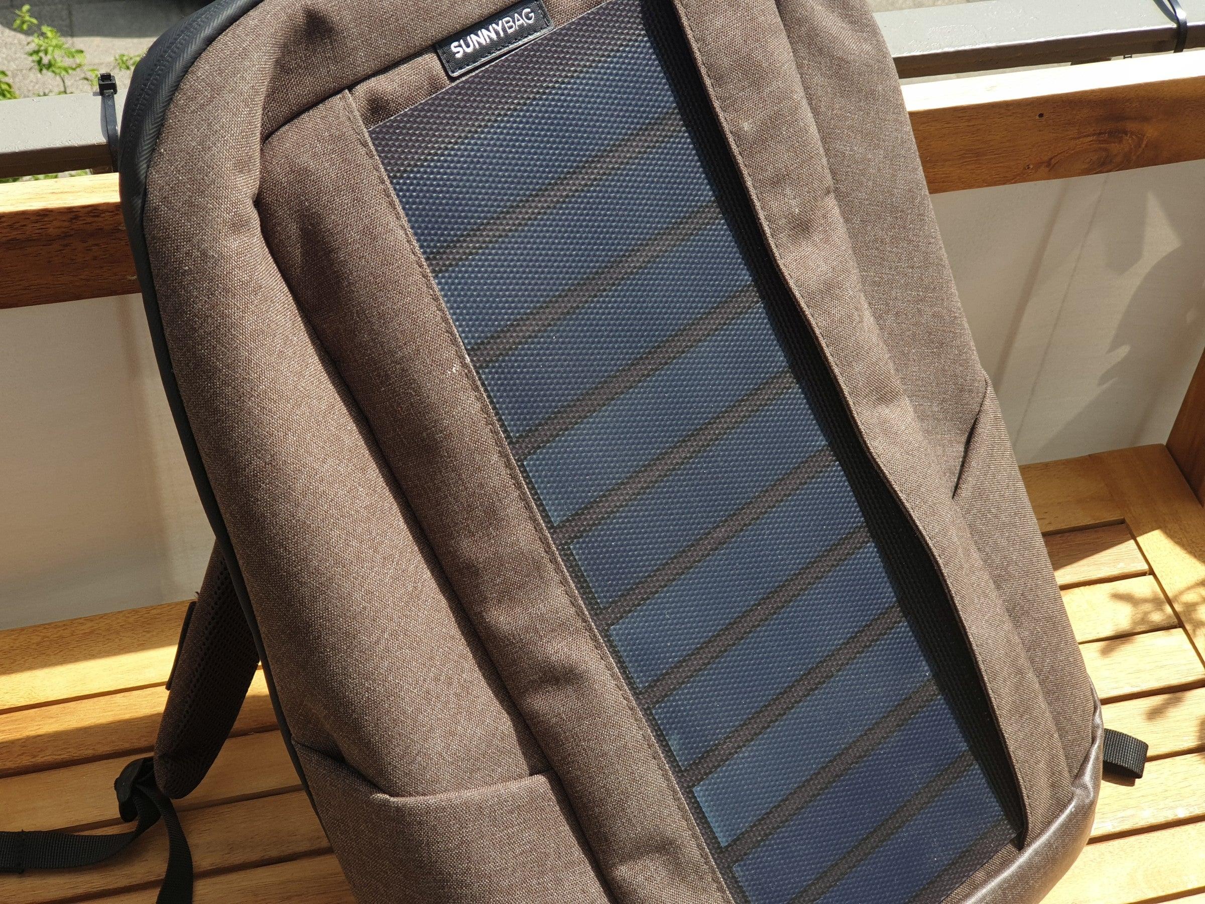 Solar-Zellen auf dem Sunnybag-Rucksack