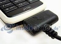 Sony Ericsson J110i: Anschluss