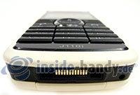 Sony Ericsson J110i: Draufsicht unten