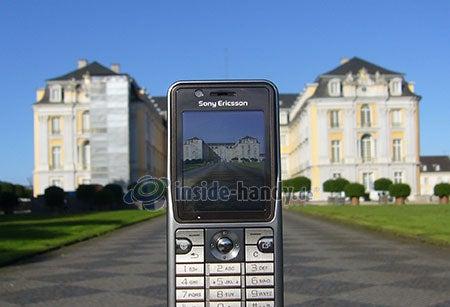 Sony Ericsson k530i: Handy beim Fotografieren