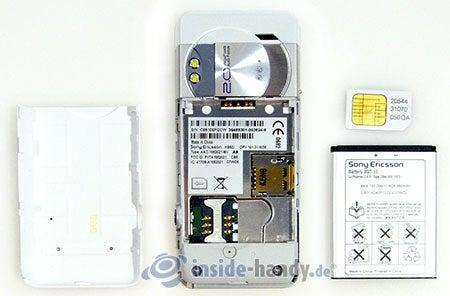 Sony Ericsson K550i: zerlegt in Bestandteile